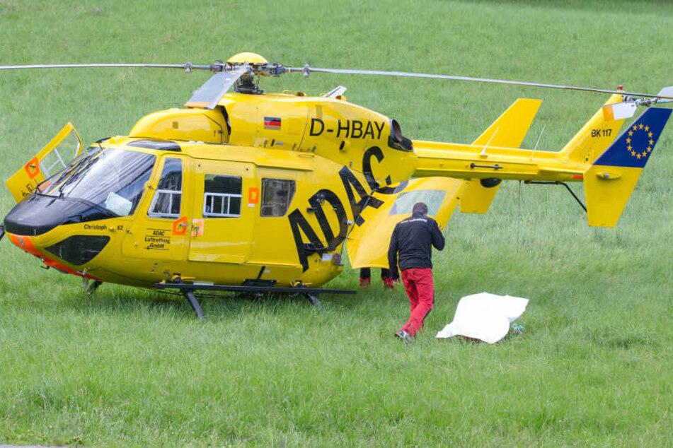 Zwei Rettungshubschrauber brachten die Verletzten in eine Klinik (Symbolbild).