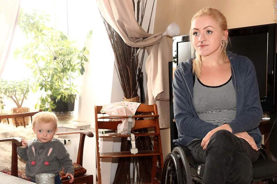 Marie (23) mit Tochter Juna (1).