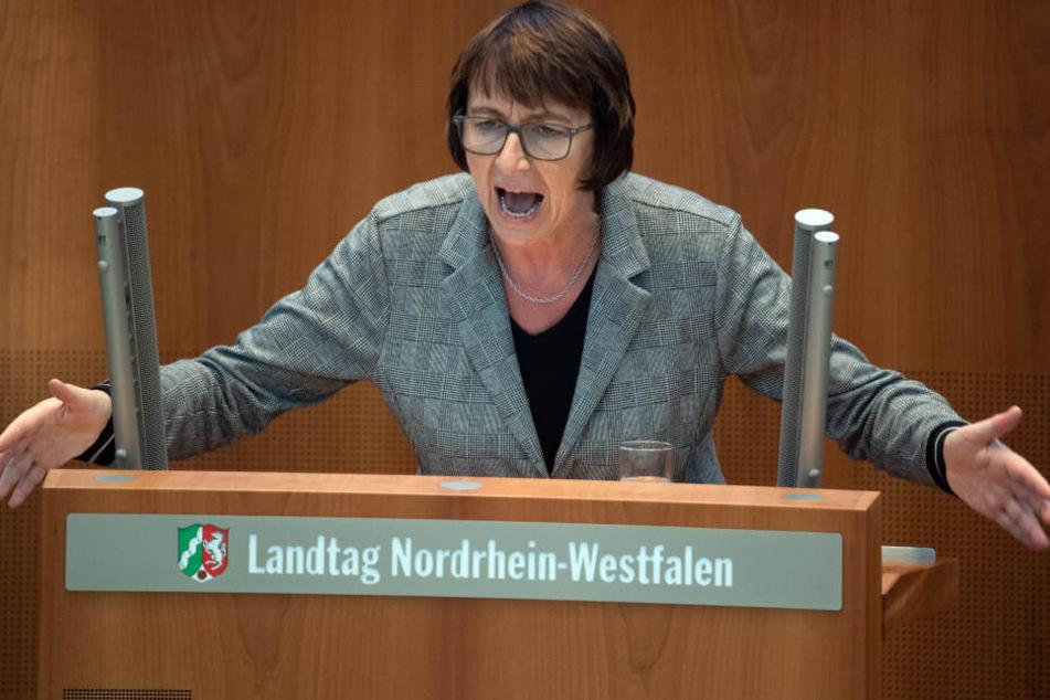 Schlagabtausch im NRW-Landtag zur Räumung des Hambacher Forsts
