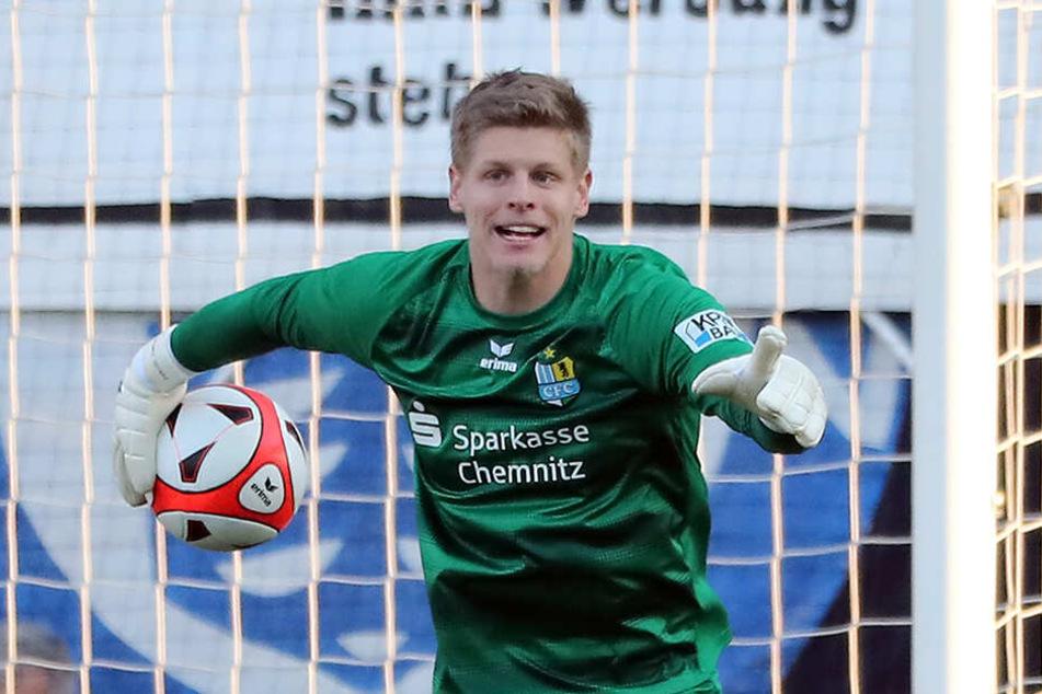 Torwart Jakub Jakubov bleibt die Nummer 1! Daran ändert der erneute Wechsel nichts. Am 18. Mai gegen Bischofswerda und eine Woche später im Endspiel gegen Zwickau steht er im Kasten.