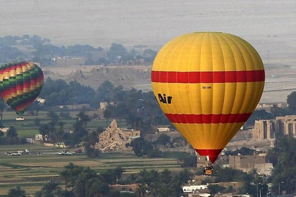 Ein französischer Tourist ist in Kappadokien ums Leben gekommen, weil ein Heißluftballon gegen eine Starkstromleitung gekommen war.