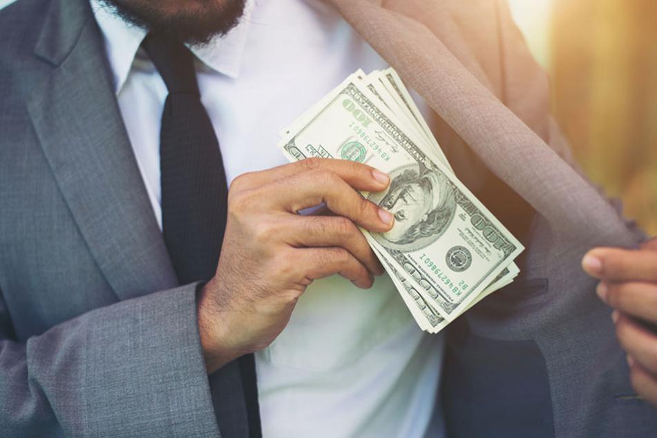 Ein extravaganter Lebensstil und fehlendes Einkommen können zu Insolvenz führen.
