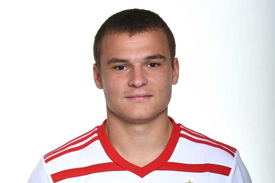 Fußball-Profi Vasilije Janjicic vom Hamburger SV baute einen schweren Verkehrsunfall.