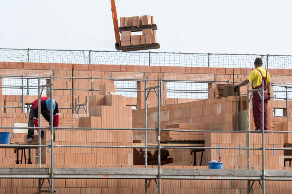 Bauen soll nach Willen der JU attraktiver werden. Vor allem auch für Familien. (Symbolbild)