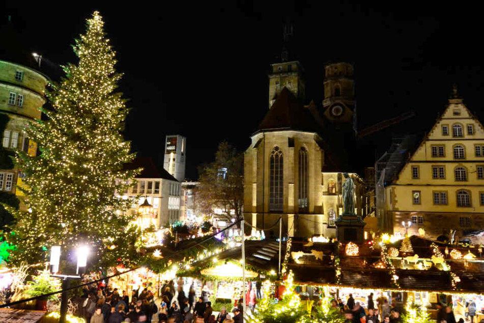 Lichtermeer auf dem Stuttgarter Weihnachtsmarkt.