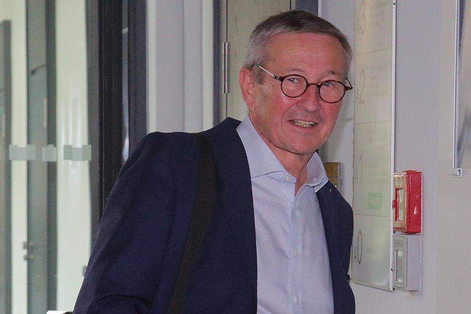 """Ex-Maler und Sammler Stefan Heinemann (66): """"Ich habe viel Geld in die  Ausstellung meiner Sammlung im Kunsthaus gesteckt. Die Ausstattung der  städtischen Galerie ist ein kulturpolitischer Skandal."""""""