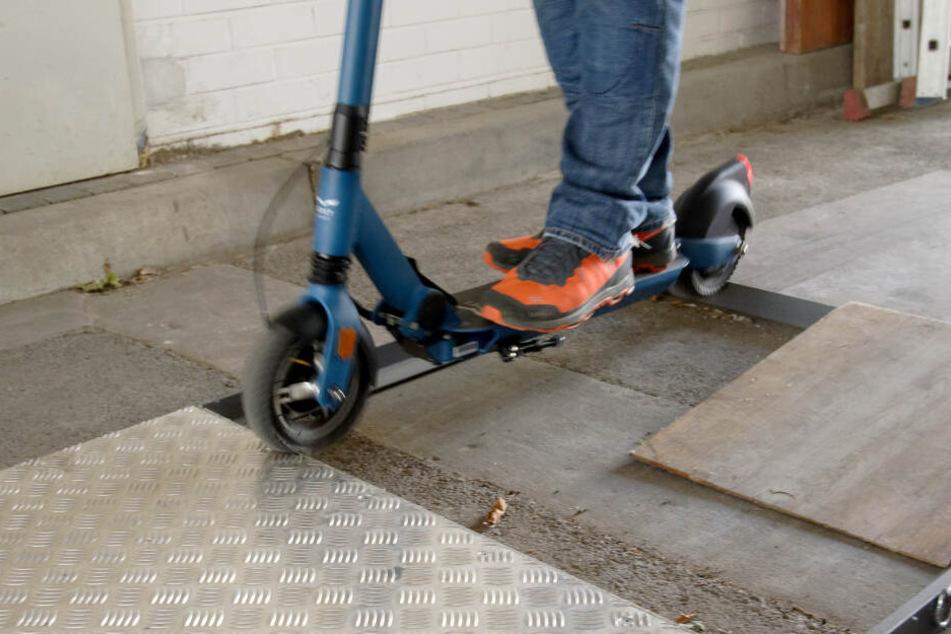E-Scooter reagieren anders als Fahrräder auf Bordsteinkanten, Bodenwellen und sonstige Unebenheiten.