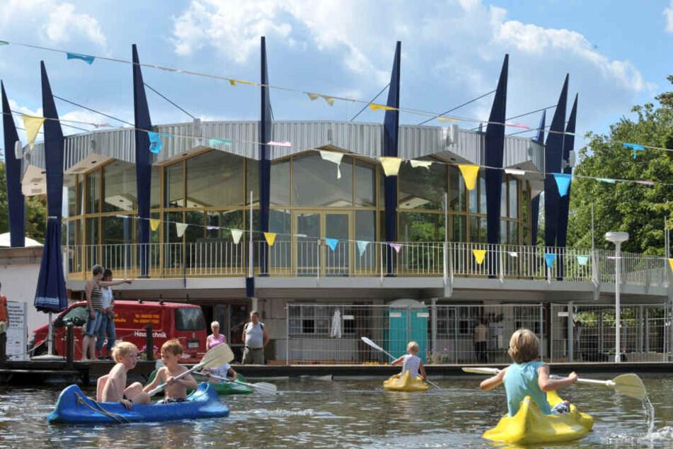 Gefahr für Besucher durch erhebliche Mängel! Erfurter Ega-Hallen gesperrt