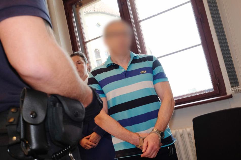 Der Angeklagte 49-jährige Kasache hat Revision gegen das Urteil eingelegt.
