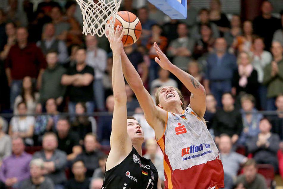 Malte Ziegenhagen (r.) will mit den Niners hoch hinaus und bis zum Saisonschluss mindestens den vierten Platz halten.