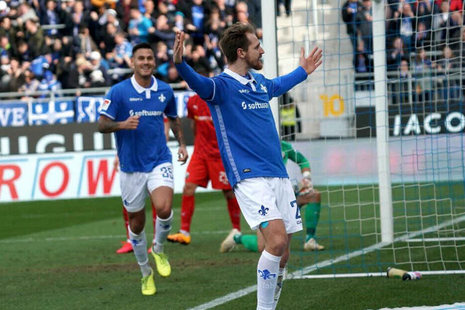 Immanuel Höhn freut sich über seinen Treffer zum 1:0 für die Lilien.