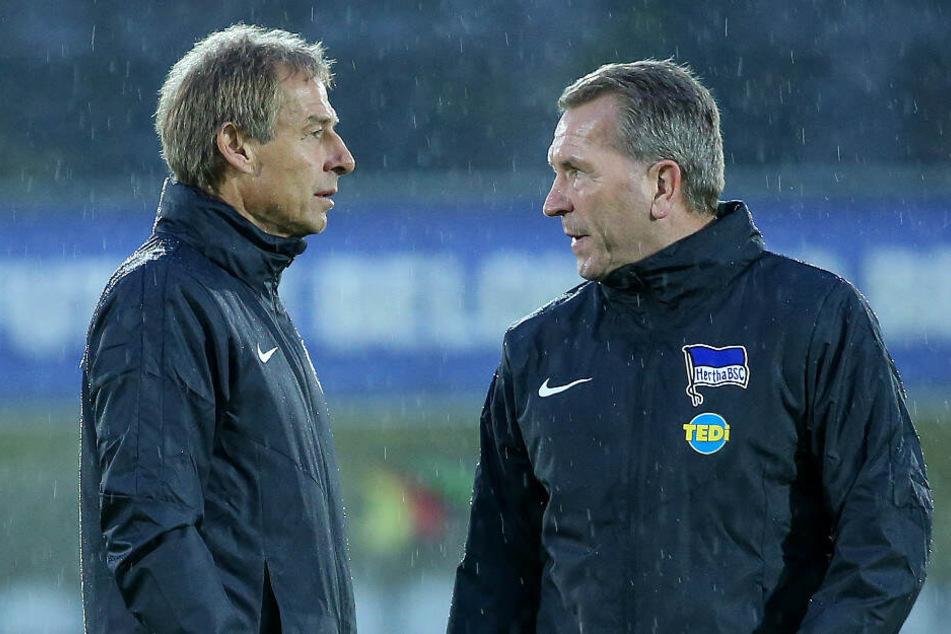 Jürgen Klinsmann im Gespräch mit Andreas Köpke.