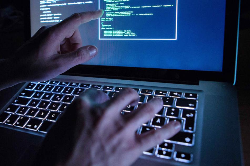 Im Darknet fanden die Ermittler die Plattform mit 300.000 illegalen Dateien. (Symbolbild)