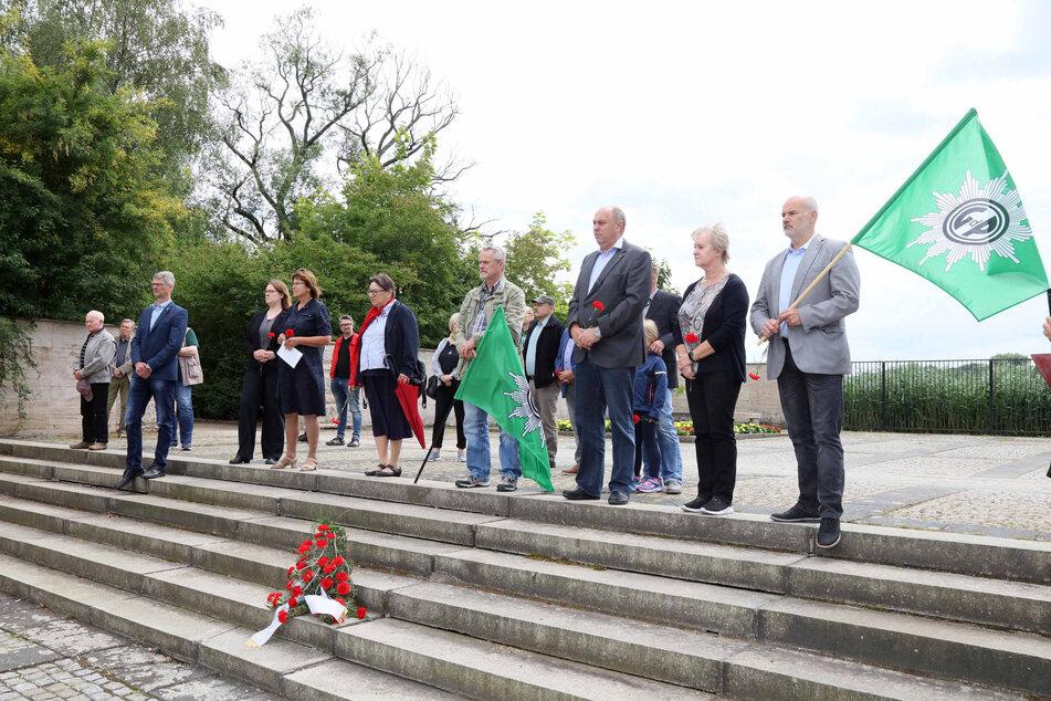 Die Kreisgruppe Chemnitz des GdP-Bezirks Bundespolizei veranstaltete eine Gedenkveranstaltung am Zwickauer Schwanenteich.
