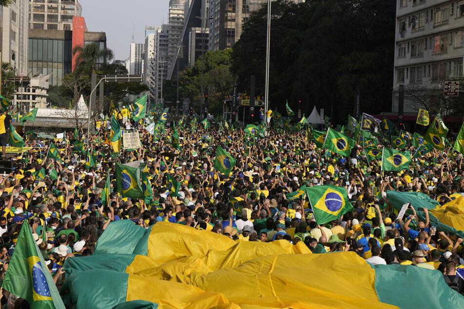 Viele Anhänger von Jair Bolsonaro (66) versammelten sich am Unabhängigkeitstag in der Avenida Paulista zu einer Kundgebung am Tag der Unabhängigkeit von Brasilien.