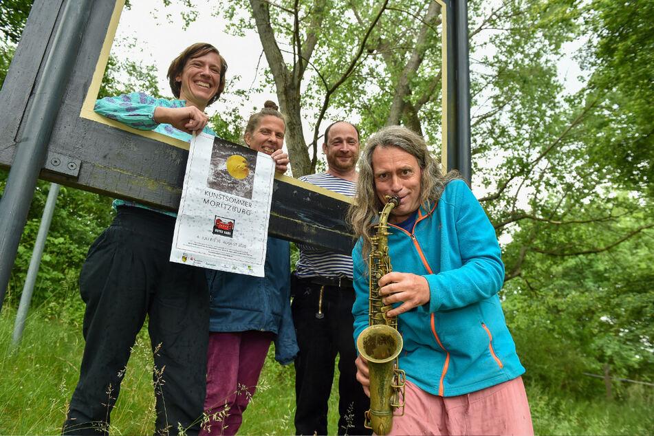 Die Künstler Alexandra Wegbahn (42), Manuela Henschke (42), Michael Melerski (57) und Hartmut Dorschner (50, v.l.) freuen sich auf die Besucher des Kunstsommers.