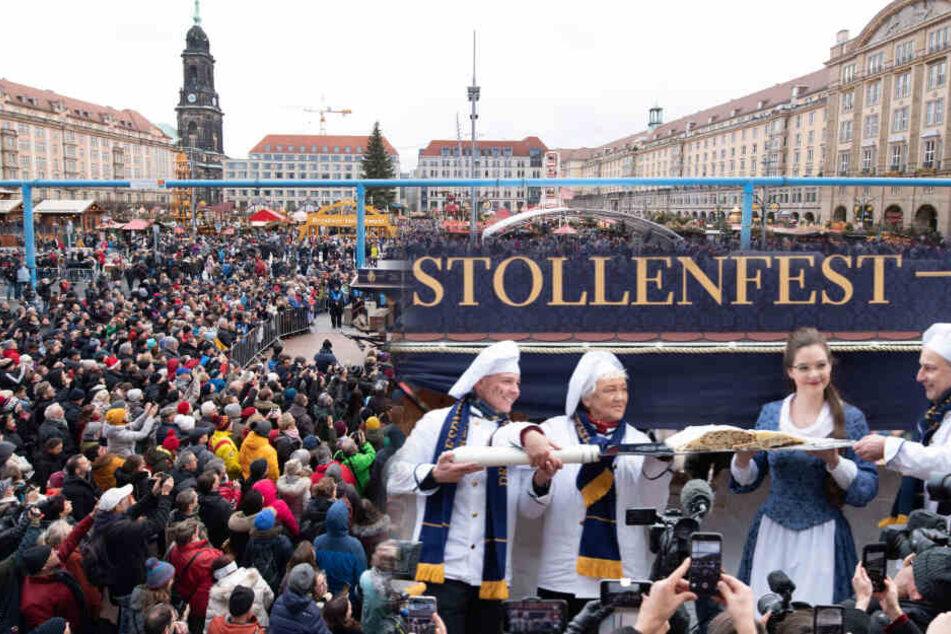 Monströse Köstlichkeit: Dresdner Riesenstriezel kratzt an der 4-Tonnen-Marke!