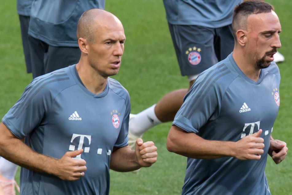 Arjen Robben (l.) und Franck Ribéry (r.) haben keine Zukunft beim FC Bayern München.