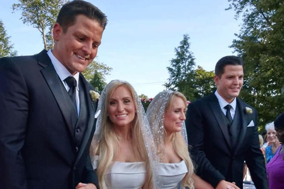 Brittany und Briana Deane (32) mit Josh und Jeremy Slayers (34)