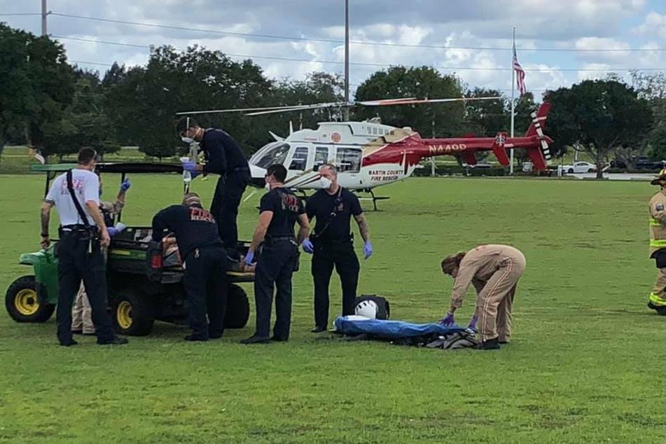 Nachdem er sich selbst befreit hatte, wurde der Mann von Passanten gerettet und anschließend mit einem Helikopter ins Krankenhaus gebracht.