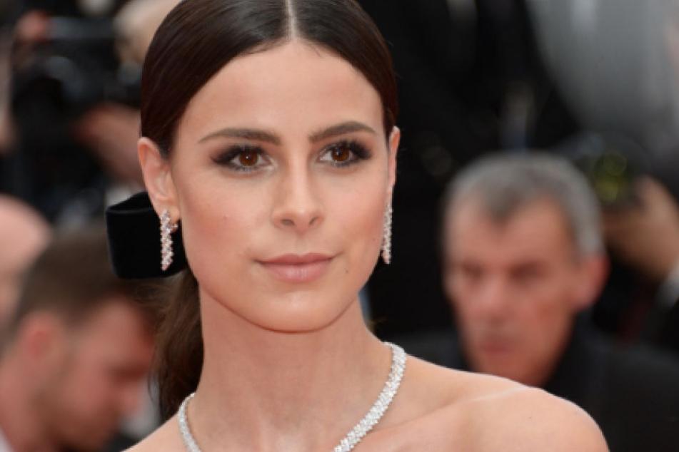 So ladylike wie hier beim Filmfestival in Cannes Mitte Mai kennen wir Lena Meyer-Landrut (27)