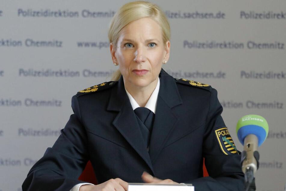 Will knallhart gegen Nazi-Streifen vorgehen: Die Chemnitzer Polizeipräsidentin Sonja Penzel (47) hat rechte Bürgerwehren ins Visier genommen.
