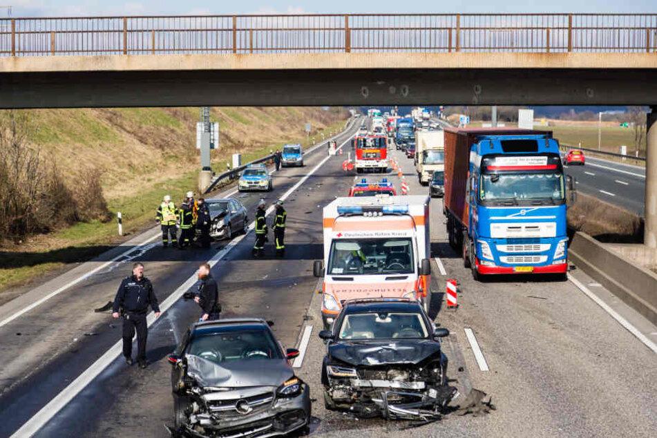 Lange Staus nach mehreren Unfällen auf der A5