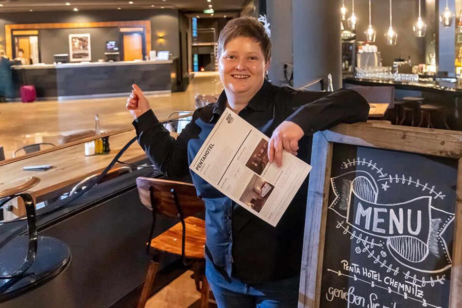 """Willkommen im Pentahotel! Stefanie Georgie (35) freut sich auf Gäste bei der Aktion """"Urlaub in Deiner Stadt""""."""