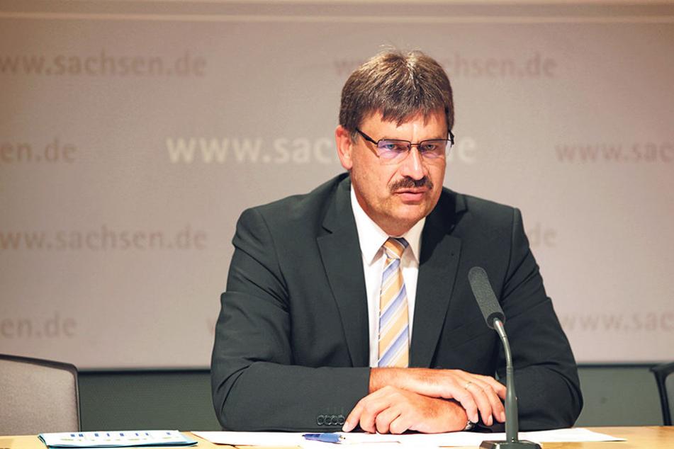 Besonders in Ostsachsen ist es unglaublich schwer, genügend Lehrer zu finden, machte Ralf Berger (54),  Chef der Bildungsagentur, deutlich.