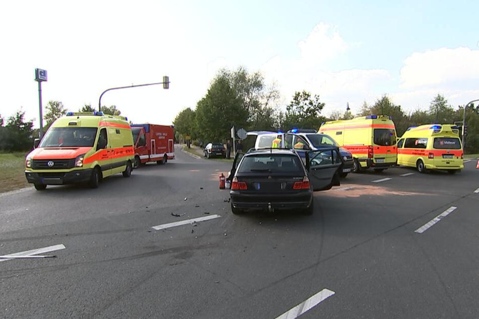 Unfall: Zwei Autos krachen bei Leipzig zusammen, ein Kind verletzt