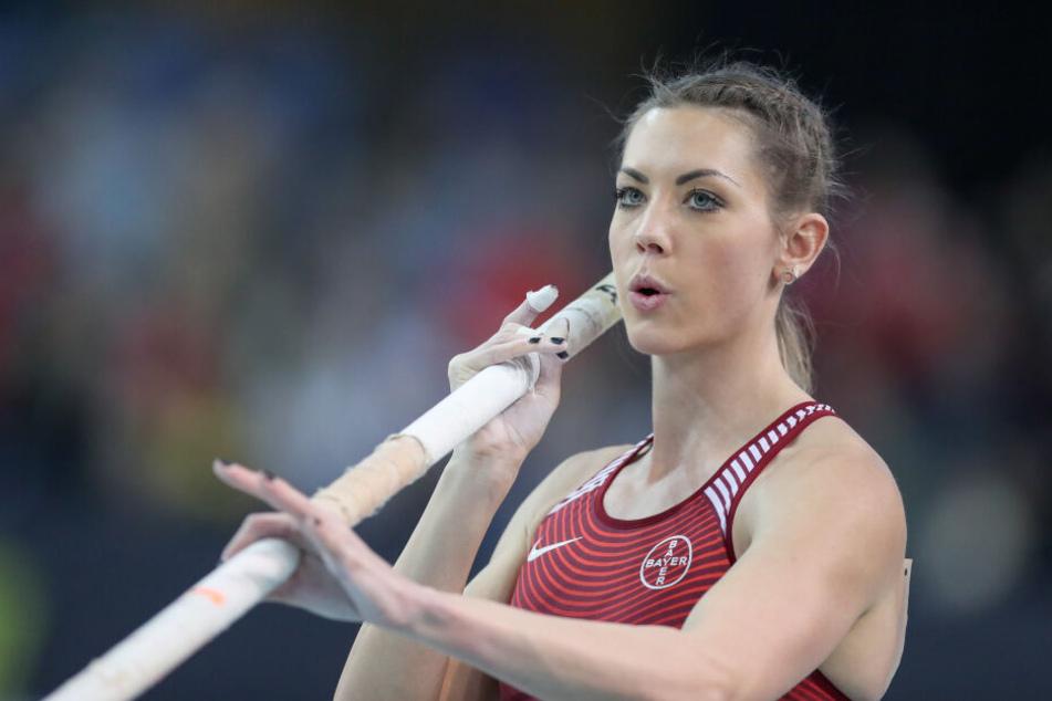 Die Stabhochspringerin Katharina Bauer (28) trägt einen Herzschrittmacher.