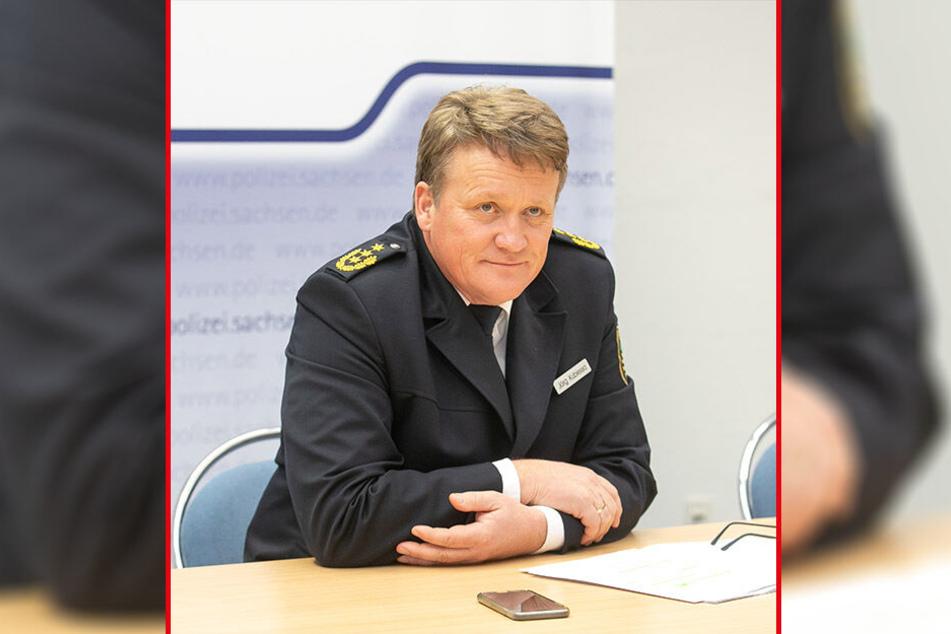 Der Autoklau hat dem Dresdner Polizeipräsidenten Jörg Kubiessa (54) die Statistik verhagelt.