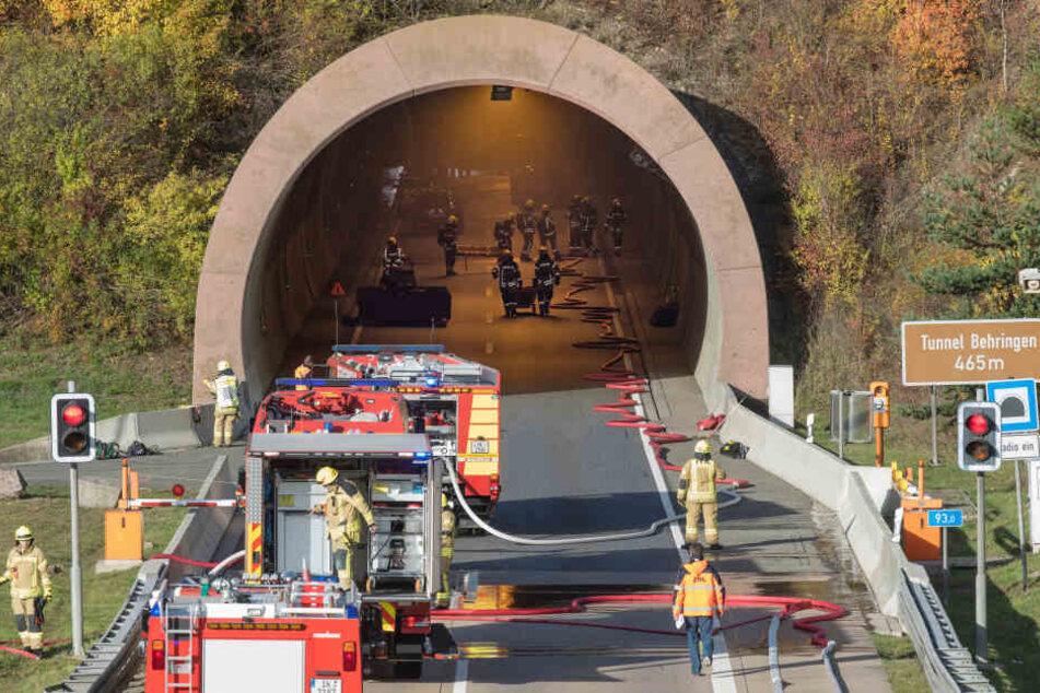 Mann fährt durch Tunnel und stirbt bei der Ausfahrt