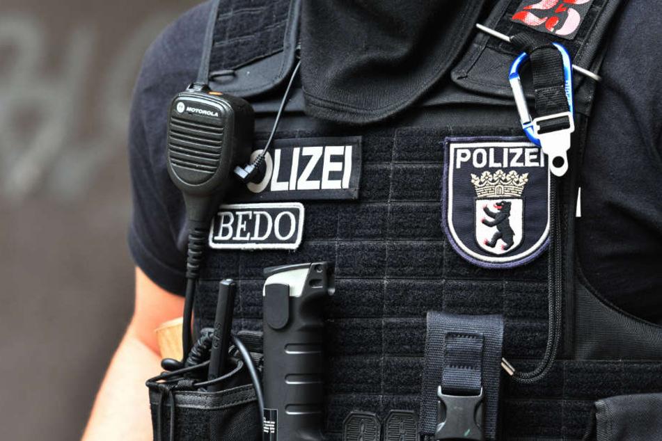 Hunderte Polizisten waren bei der Razzia im Einsatz. (Symbolbild)