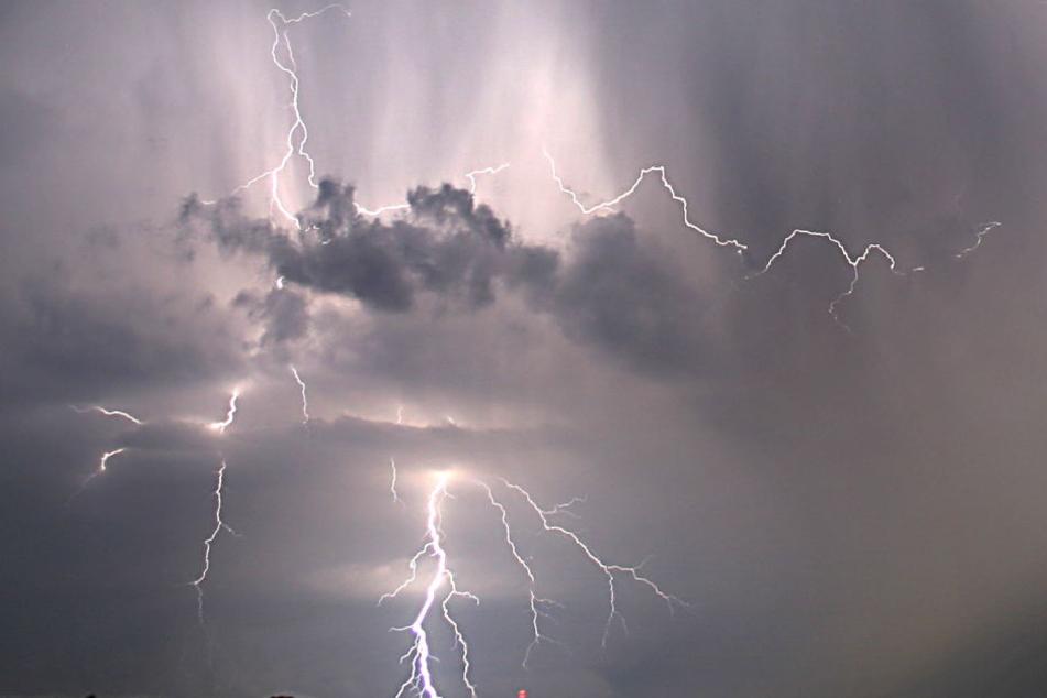 Unwetter über Thüringen: Blitzeinschläge und Schlammlawinen