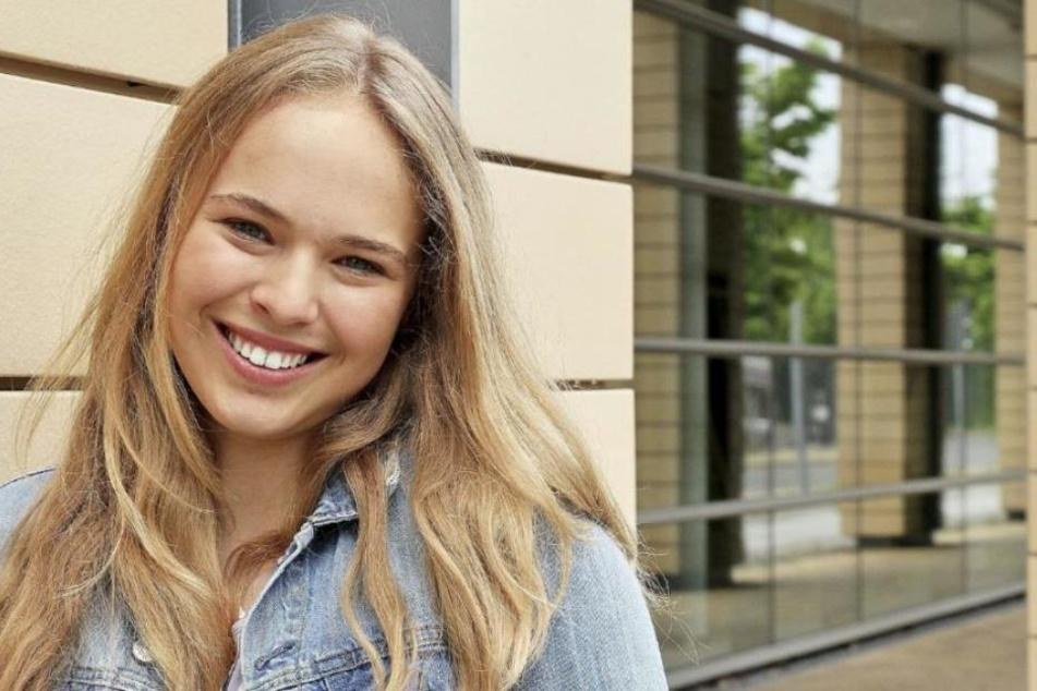 """Seit zehn Jahren im TV-Business: Ella Zirzow (16) hat einen Gutteil ihrer Kindheit am Set von """"In aller Freundschaft"""" verbracht."""