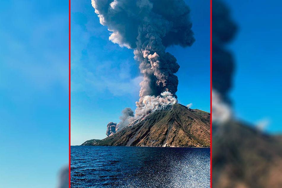 Beim Ausbruch des Vulkans Stromboli in Italien ist mindestens ein Mensch ums Leben gekommen.