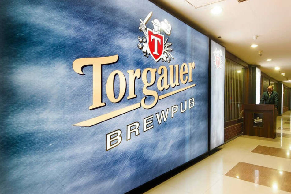 Wer bei seinem nächsten Indien-Trip auf diese Plakatwand stößt, muss sich nicht wundern: das ehemalige Sachsen-Bier gibt es jetzt auch dort.