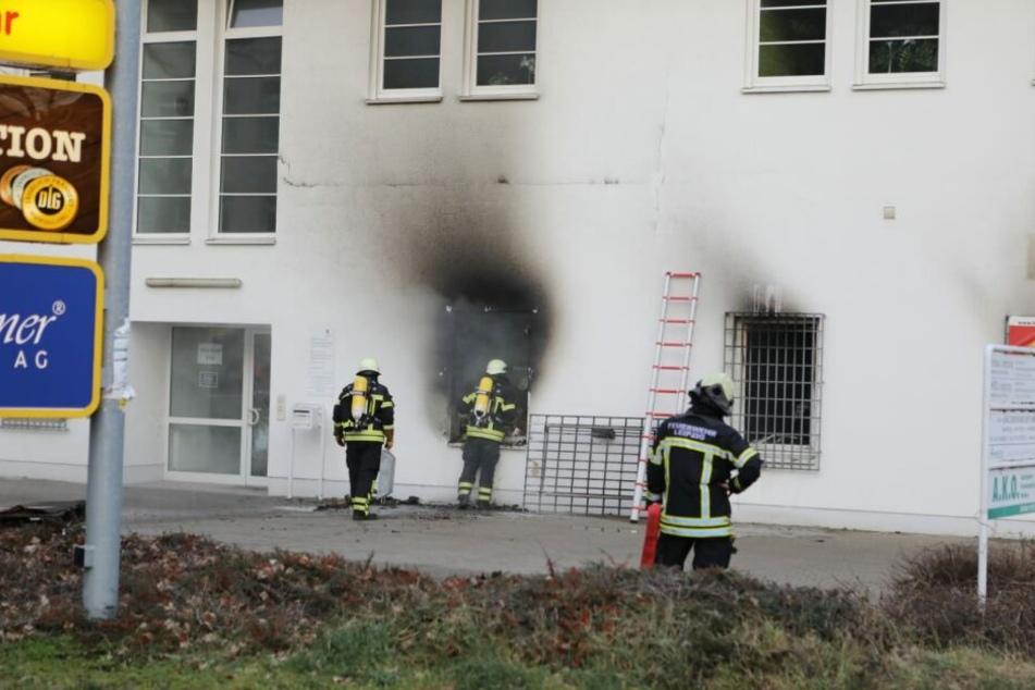 In einem Fachgeschäft für Batterien war ein Feuer ausgebrochen.