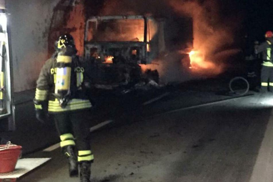 Laster brennt in Tunnel: 32 Menschen im Krankenhaus