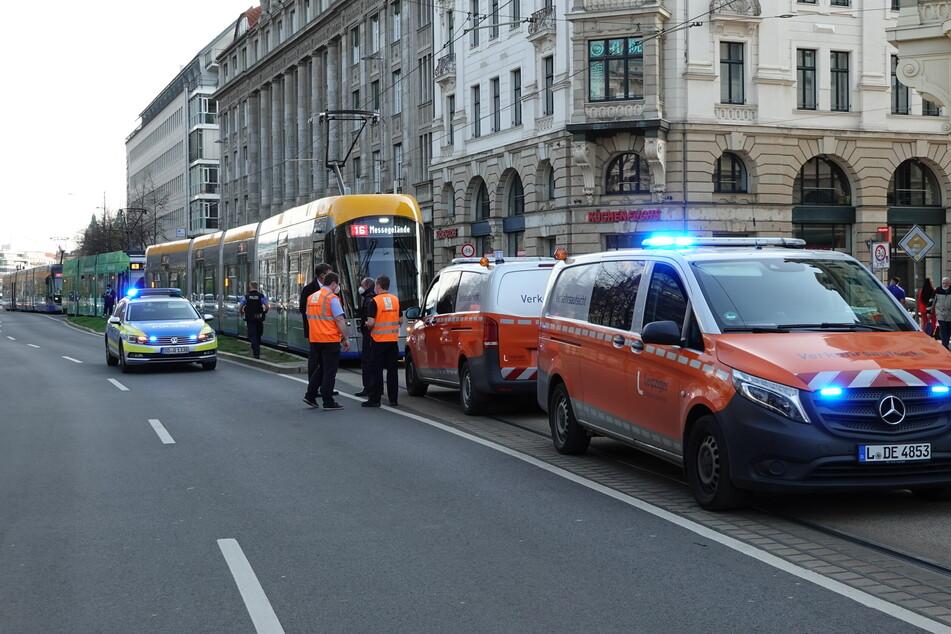 Unfall auf dem Innenstadtring: Frau (25) bei Zusammenstoß mit Tram verletzt