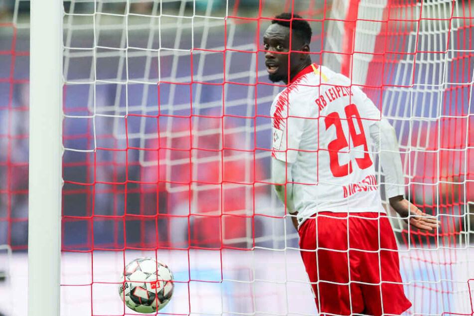Augustin war bereits Ende vergangenen Jahres bei U21-Coach Sylvian Ripoll nach einer Auseinandersetzung in Ungnade gefallen und zwischenzeitig suspendiert worden.