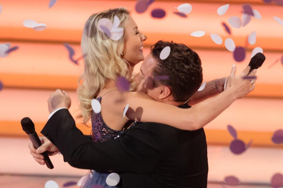 Ab sofort verlobt: Stefan Mross (44) und Anna-Carina Woitschack (27).