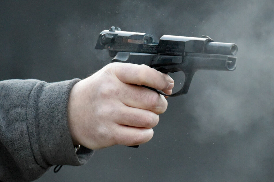 Aus dem Auto heraus sollen die Schüsse abgefeuert worden sein (Symbolfoto).