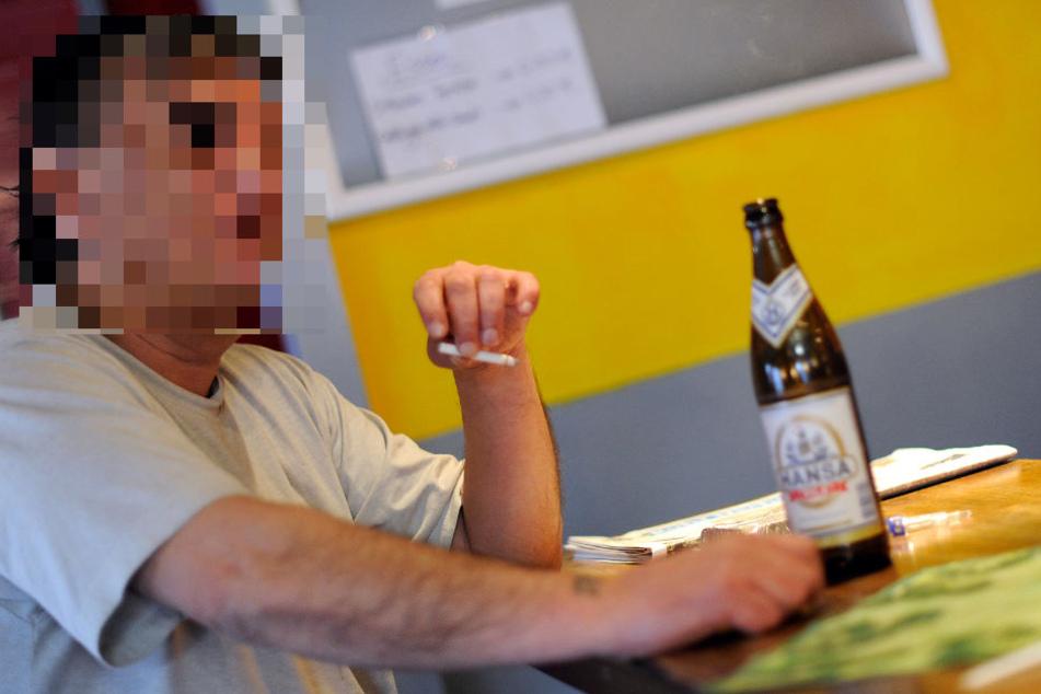 """Die Politik spricht von dem Treffpunkt als einem """"alkoholakzeptierenden Aufenthalts- und Beratungsangebot"""". (Symbolbild)"""