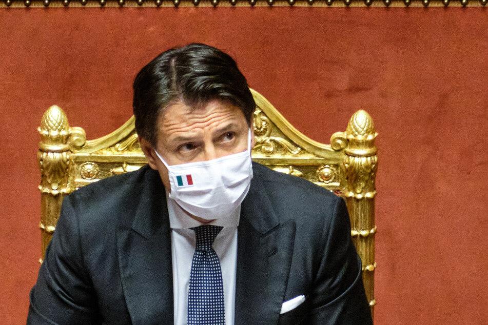 Giuseppe Conte, Premierminister von Italien, spricht bei einer Senatssitzung. Die italienische Regierung hat ihre Anti-Corona-Maßnahmen bis zum 7. September verlängert.