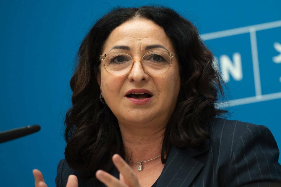 Gesundheitssenatorin Dilek Kalayci (54, SPD) verkündete bei einer Pressekonferenz am Dienstag die Einführung eines 2G-Modells für Berlin.