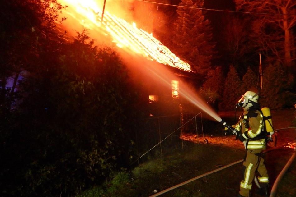 97-Jähriger soll Feuer gelegt haben: Mann verstirbt (†60) bei Brand!