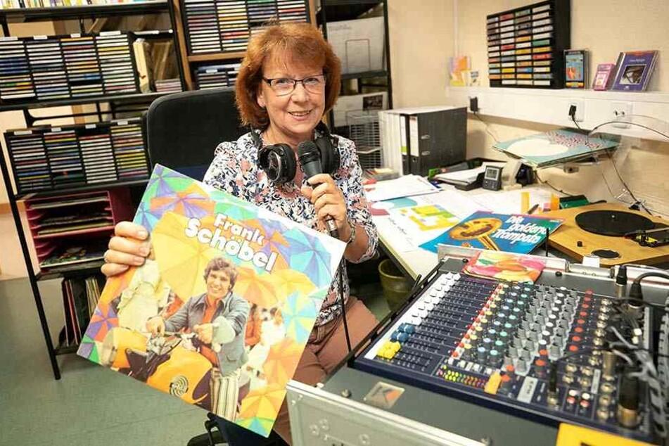 Verabschiedet sich nach 4000 Heimradio-Sendungen in den Ruhestand: Freizeitbegleiterin Ilona Lehmann (63).