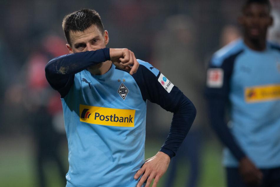 Stefan Lainer von Mönchengladbach zeigt sich nach der verlorenen Partie gegen Union Berlin enttäuscht.